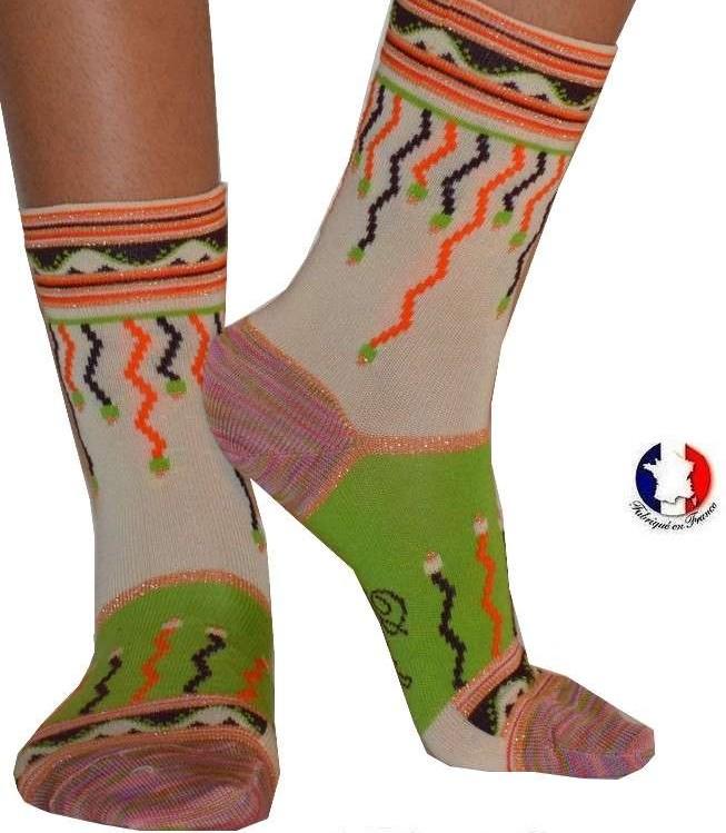 Chaussettes-berthe-aux-grands-pieds-guirlandes-brillantes-2